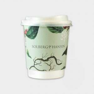The Green & Good 8oz Eco To-Go-Papercups made with a water-based barrier coating. 100% recyclable and an eco-friendly and sustainable option for coffee shops,  catering and event companies. Double walled for easier handling of hot liquids. Made in the EU. Comes with a recyclable PS lid as standard.